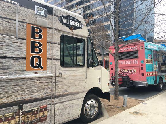 food trucks klyde warren park dallas - Dallas Wanderer